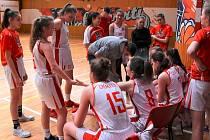 Chomutovské basketbalistky kategorie U15.
