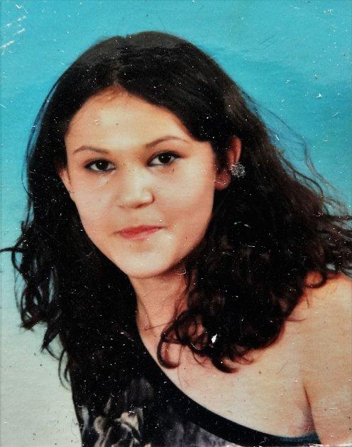 Fotografie neznámé ženy, kterou měl mrtvý muž vpeněžence.