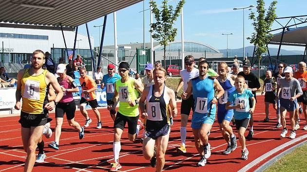 V sobotu vyběhnou atleti na již 38. ročník Chomutovské hodinovky. Poběží se na atletickém stadionu na Zadních Vinohradech.