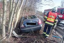Dopravní nehoda u Klášterce nad Ohří.
