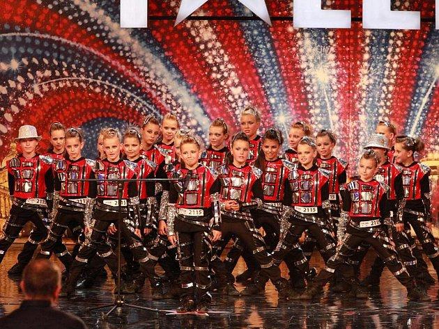 Mírné rozpaky tanečníků Beethoven DC EXE před přísnými porotci.