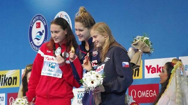 Simona Baumrtová s bronzovou medailí na MS v Istanbulu