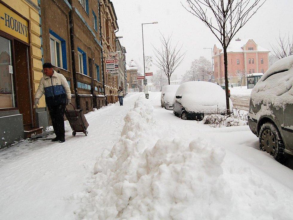 Město přikryl sníh.