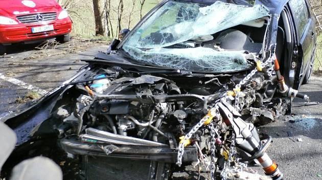 Dopravní nehoda osobního auta u Nové Vísky.