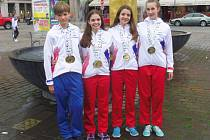 Filip Jezbera, Alice Richtrová, Eliška Dvořáková a Kamila Slabihoudová (zleva) – medailisté Slávie Chomutov.
