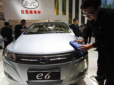 Prvním čínským vozem prodávaným v USA může být elektromobil BYD