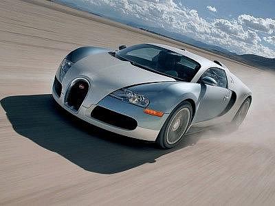 Bugatti Veyron umí jet rychlostí přes 400 km/h.