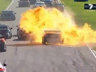 Při hrozivé nehodě nebyl naštěstí nikdo zraněn.