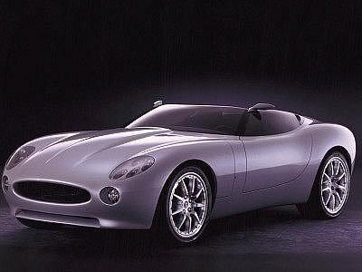 Jaguar F-Type se poprvé představil v roce 2000. Do produkce se má dostat až nyní.