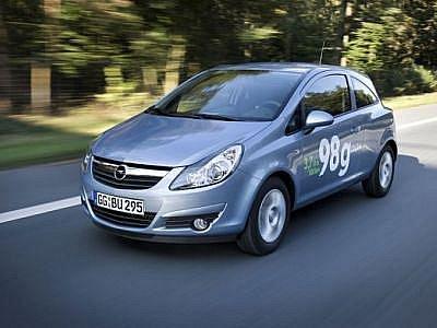 Opel Corsa ecoFLEX spotřebuje necelé 4 litry pohonných hmot na 100 kilometrů.