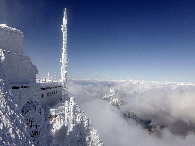 Sníh na vrcholu Zugspitze
