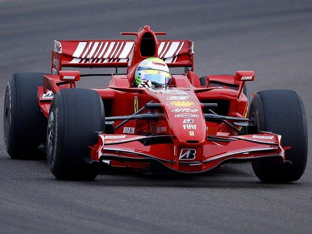 Felipe Massa při testech monopostu Ferrari F2007 ve Fioranu.