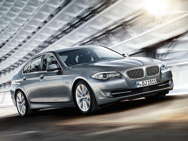 Nové BMW řady 5 se postupně vrací k více tradičním křivkám, které se naposled objevily na generaci E39.
