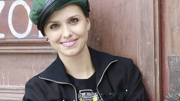 Zuzana Vejvodová, která hraje v seriálu Novy Ulice Libušku Nekonečnou