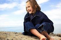 Prázdniny, nejblíbenější doba roku, alespoň pro děti. Ty je ale třeba pořádně hlídat, čekají na ně mnohá nebezpečí...