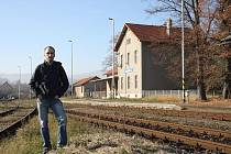 Nádraží Javorník ve Slezsku, jeden z domovů Aloise Nebela.