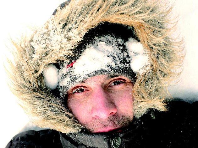 Boj o přežití. Takhle vypadal náš poutník poté, co dorazil z vr-cholu Sněžky.