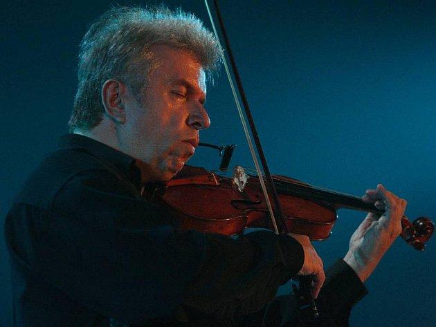 Houslista Jaroslav Svěcený