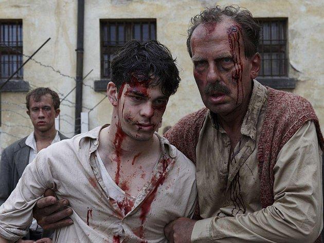 Snímek z filmu Lidice
