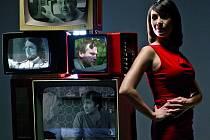 PRŮVODKYNĚ SERIÁLOVÉHO SOUBOJE. Tereza Kostková ve své nové televizní roli.