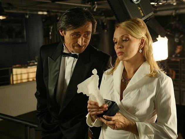 Martin Stropnický a Zdena Studénková ve filmu Ivana Vojnára Ženy mého muže