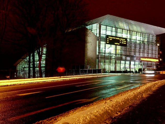 Liberecká knihovna v noci