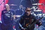 V pražské Incheba Areně se 17. dubna konalo udílení cen Akademie populární hudby Anděl 2009. Během večera zahrála slovenská skupina Elán.