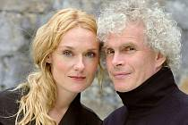 Dirigent Sir Simon Rattle a pěvkyně Magdalena Kožená