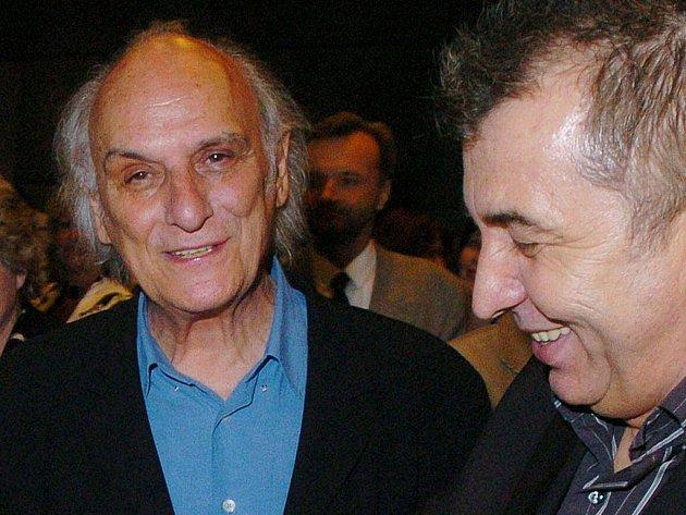 Carlos Saura na snímku s Ferem Feničem v roce 2005, kdy byl hostem Febiofestu