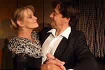 Chantal Poullain a Pavel Kříž coby madame Lily Harrison a Michael Minetti.