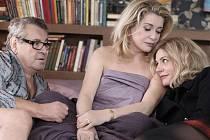 Ve filmu Milovaní, který má premiéru 1. prosince, se objeví i slavný režisér Miloš Forman.