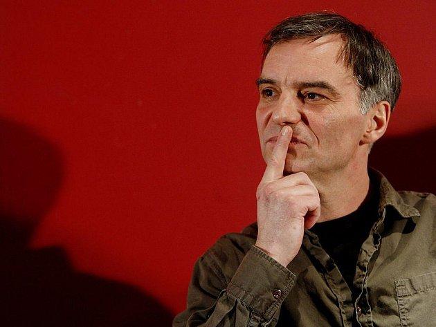 Tisková konference při příležitosti zahájení natáčení nového filmu v česko-slovensko-polské koprodukci Ve stínu proběhla 28. února v Praze. Na snímku herec Ivan Trojan.