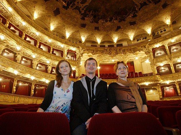 SÓLISTÉ BALETU Státní opery Praha Richard Hlinka a Zuzana Hvízdalová a šéfka baletu Hana Vláčilová.
