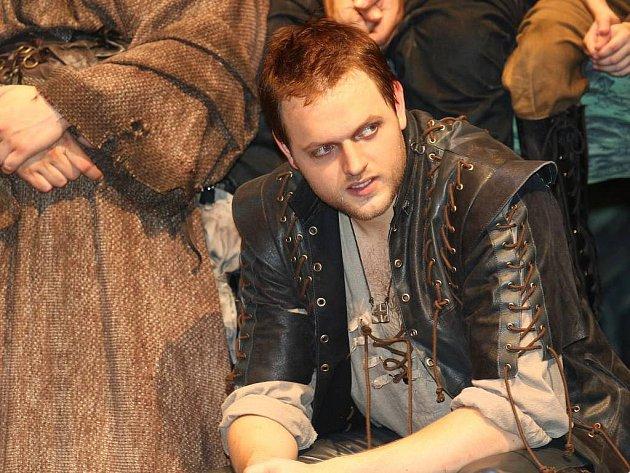 Vítěz show Cesta ke hvězdám a představitel Robina Hooda ve stejnojmenném muzikálu, který bude mít premiéru 2.září vdivadle Kalich Jan Kříž.
