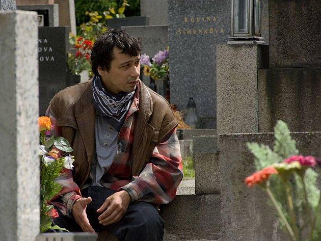 Pavel Liška si zahrál jednu ze dvou hlavních rolí v televizním filmu Zasažení bleskem.