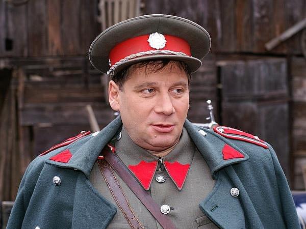 Tomáš Töpfer v roli Karla Arazima