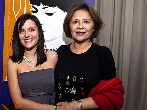 Křest knihy doma na Slovensku se odehrál v rodinném kruhu. Křtila teta mladé spisovatelky, herečka Emília Vašáryová.