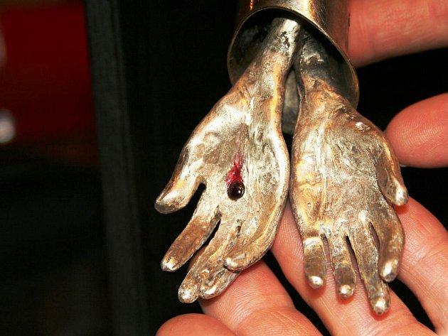 Stříbrné období umělce Lubo Kristka má vyvrcholit výstavou jeho třináctidílné série zobrazující proměny Krista. Uskutečnit by se měla v Londýně.