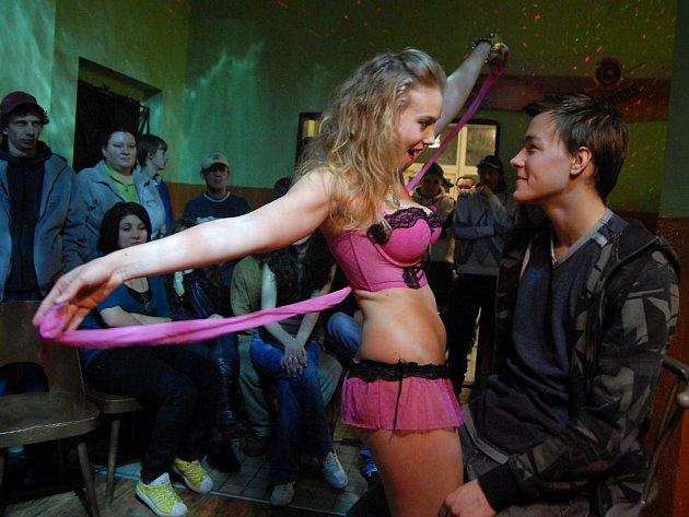 Aneta krejcikova poupata 2011 - 1 1