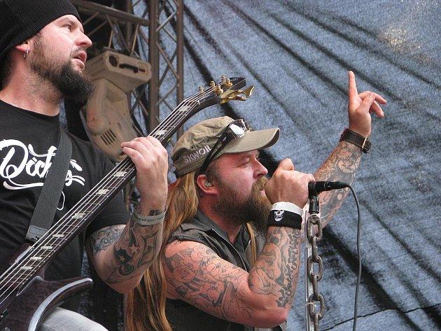 Zpěvák a kytarista kapely Škwor