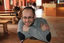 Novým pronájemcem bývalé restaurace v kulturním domě Slavie v Českých Budějovicích se stal David Matějíček, který zde bude provozovat hudební Cafe klub Slavie.