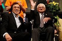 Premiéra filmu Matěje Mináče, vlevo, Nickyho rodina za účasti sira Nicholase Wintona, který vpředvečer války zachránil 669 dětí odjezdem do Londýna, proběhla 20. ledna v pražském Kongresovém centru.