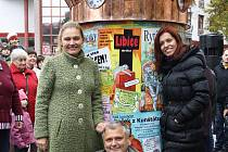 Dětský orloj pokřtili jeho autoři, Lucie Seifertová a Petr Pancho Prchal, spolu s Norou Fridrichovou
