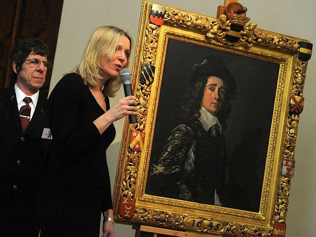 Kurátorka Anja Ševčíková představuje portrét Jaspara Schadeho od nizozemského malíře Franse Halse na výstavě Rembrandt & Co.
