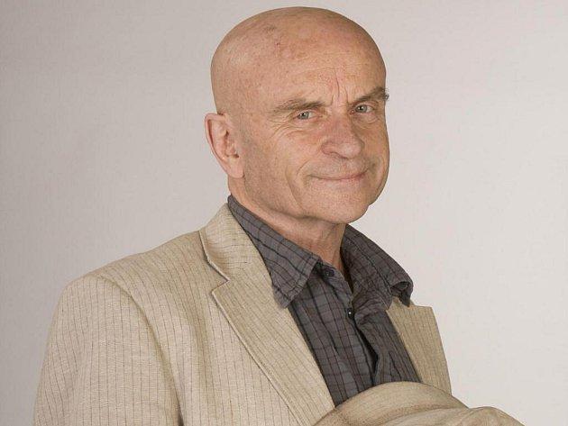 Herec Bořivoj Navrátil zemřel po dlouhém boji s rakovinou