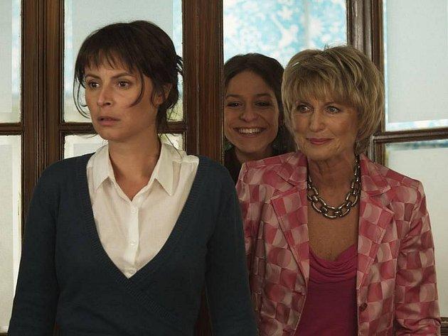 Ženy v pokušení: Eliška Balzerová, Lenka Vlasáková a Veronika Kubařová