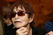 Nejznámější česká režisérka Věra Chytilová oslavila své osmdesáté narozeniny v únoru loňského roku v restaurantu Parnas, kde převzala zlatou plaketu za celoživotní zásluhy o českou kinematografii.
