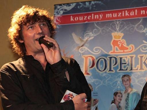 AUTOR HUDBY. Petr Malásek při křtu CD Popelka