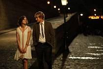 Půlnoc v Paříži: Owen Wilson a Marion Cotillard