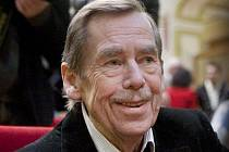 Václav Havel není jen bývalý politik, ale hlavně dramatik. A jeho kolegové divadelníci ho mimořádně uznávají!